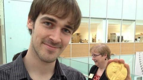 Un joven español es galardonado en Cambridge por su investigación contra el cáncer